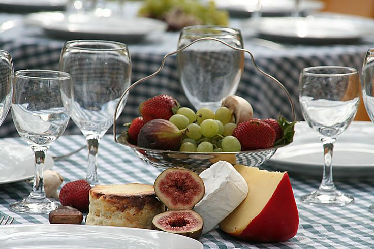 Cheese and wine event on the Coxs River