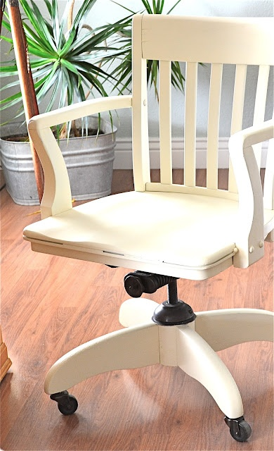 great idea for a vintage office chair
