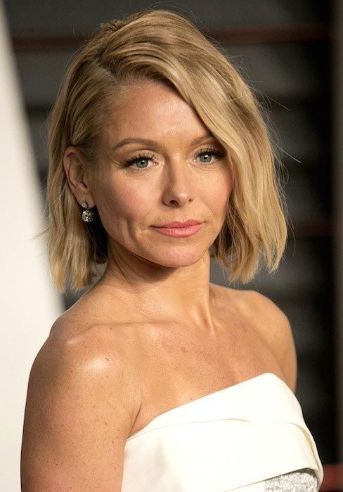 Actress Kelly Ripa at 2015 Vanity Fair Oscar Party...