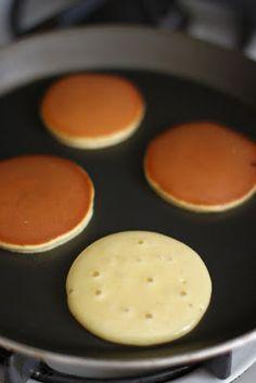 Dorayaki (Japanese Pancake with Red Bean Paste Filling)