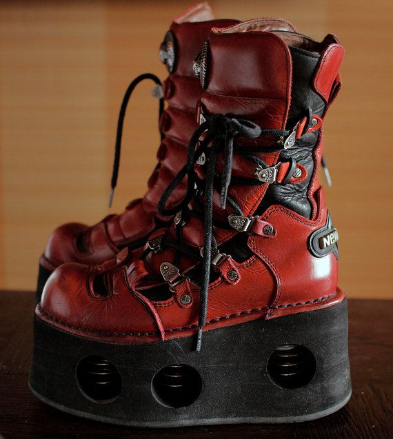 New Rock neptuno custom made spring boots. Red UNIQUE