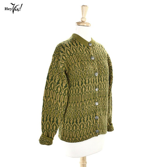 Olive Green Norwegian Vintage Sweater - Warm Me Up - size Large.