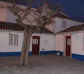 Casa+na+Praça+Central+do+Porto+Côvo+++Aluguer de férias em Sines da @homeawaypt