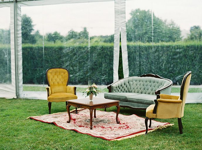 Vintage rentals for the perfect wedding reception lounge seating.