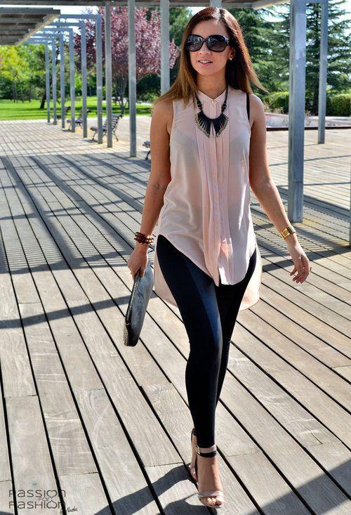 Que tal este outfit formal con Leggings? Nuestros leggings Titania o Sedna van bien con el look.