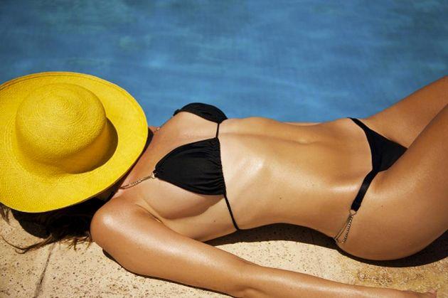 Se anche voi volete conservare il vostro bel colorito dorato post vacanze... ecco 4 segreti per mantenere l'abbronzatura!