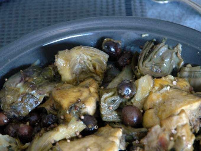 Tajine di pollo profumato con carciofi e olive