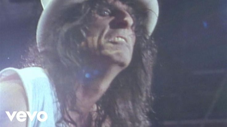 Music video by Alice Cooper performing School's Out. (C) 1990 Epic Records, a division of Sony Music Entertainment
