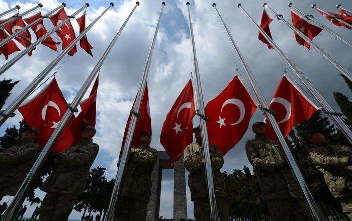 Sputnik Türkiye ///  Genelkurmay'dan Atatürk'süz Çanakkale afişleri için açıklama