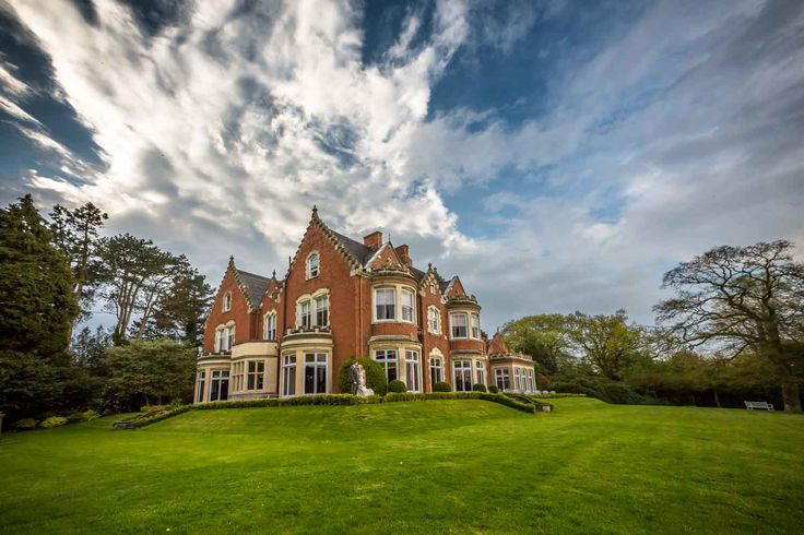 Pendrell Hall is one of the UK's most romantic country house wedding venues; it combines all the character of Victorian England with contemporary interiors
