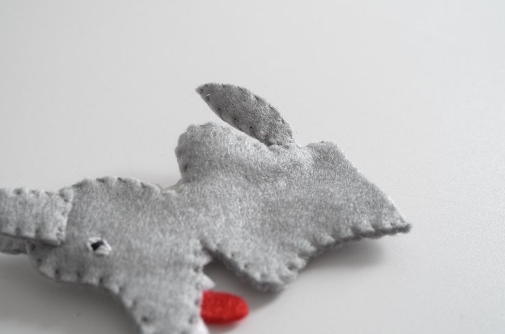 how to make a wolf hand puppet