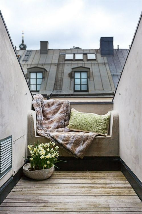 : Windows Seats, Balconies, Reading Spot, Roof Terraces, Reading Nooks, Small Spaces, Places, Outdoor Spaces, Rooftops