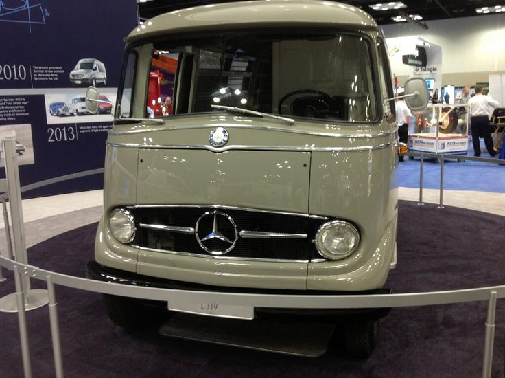 1960 mercedes benz l319 commercial van at work truck show for Mercedes benz commercial trucks