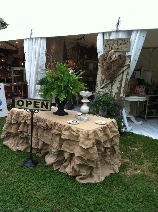 Burlap Perfect head table for a rustic/country wedding. Love it!!