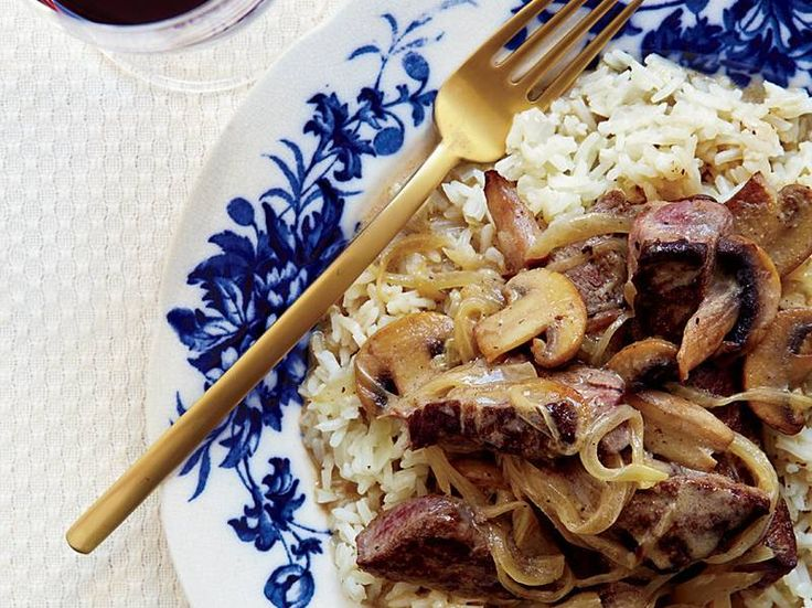 images-sys-201201-r-beef-stroganoff.jpg