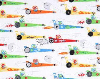 213629 witte Michael Miller stof kleurrijke race auto muis Rat Race Redux