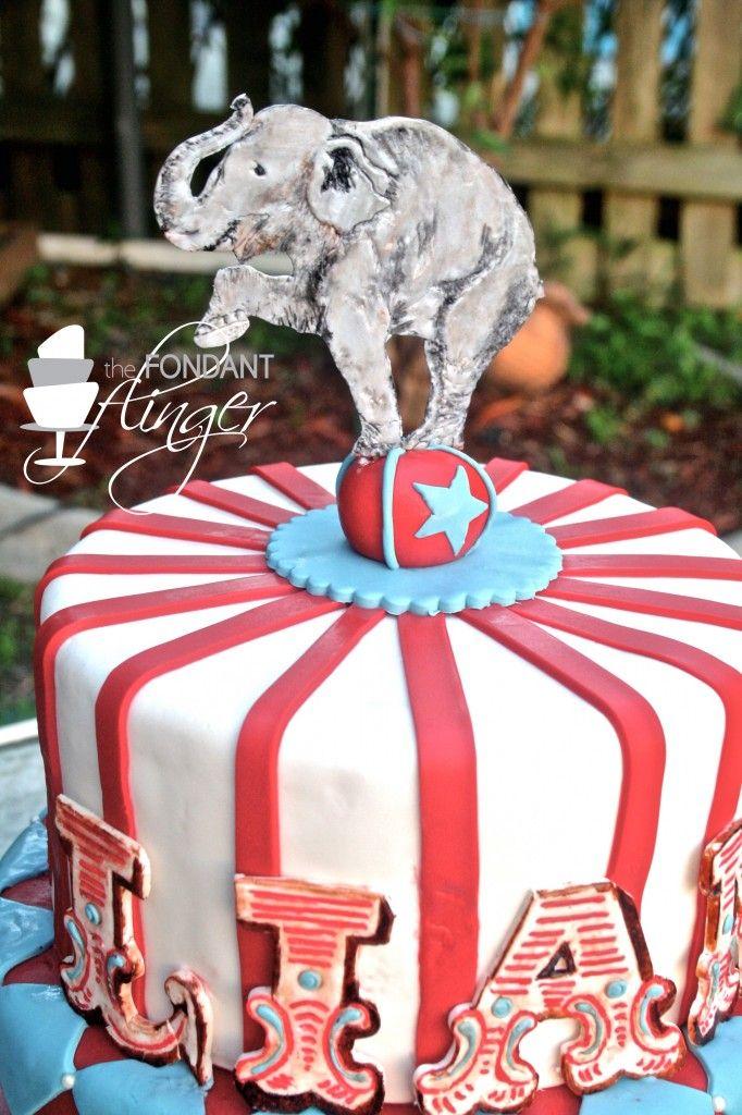Best 25 Circus birthday cakes ideas on Pinterest Carnival