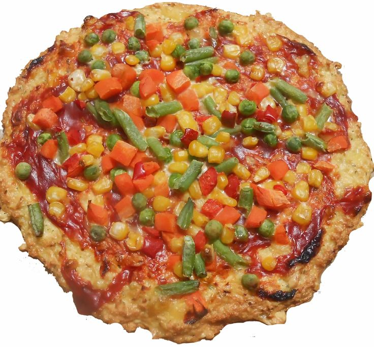 Alternatív lisztmentes gluténmentes pizza 45 perc alatt Semmilyen lisztet sem használtunk az alternatív gluténmentes pizzánk elkészítéséhez. Alapját hús, tojás és sajt adja, amelyre zöldség feltétet készítettünk.