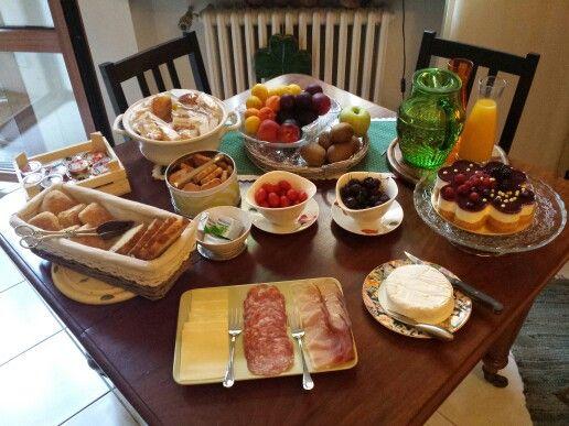 Main breakfast table.