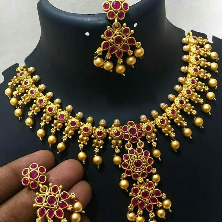 To order plz WhatsApp me to 91 7730891805  This is my Facebook page link https://www.facebook.com/FashionHub7730891805/