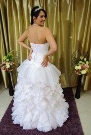 Virginia esküvői ruhánk
