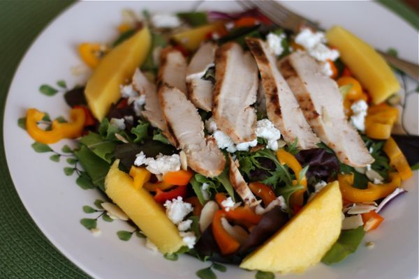 Grilled Chicken Mango Salad recipe for summer #chicken #grilling #recipe