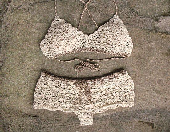 Bralette de ganchillo y crochet shorts en crema ropa interior