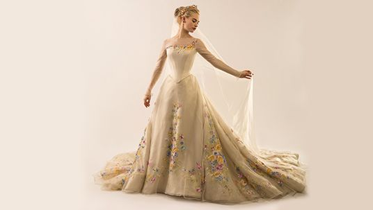 20 MEMORABLE MOVIE WEDDING DRESSES - Cinderella (2015)