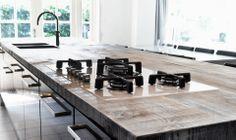 Oud houten keukenblad #keukenblad #keukenbladen #werkblad #keukenwerkblad #keukenwerkbladen #aanrecht #aanrechten #houten #hout #restylexl #opmaat #oudhout