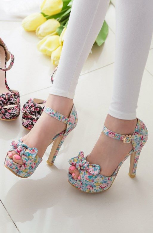 Cute floral high-heel sandals with bow detail