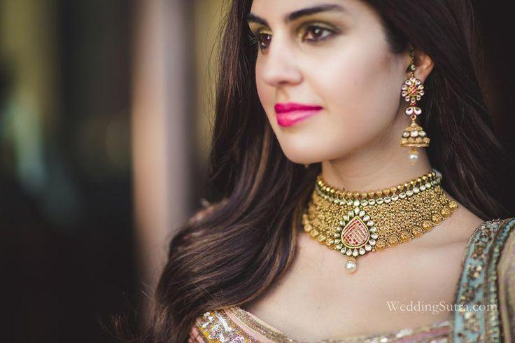 An intricately crafted Kundan Choker by Tanishq at WeddingSutra Bridal Diaries.  Photos Courtesy - Shades