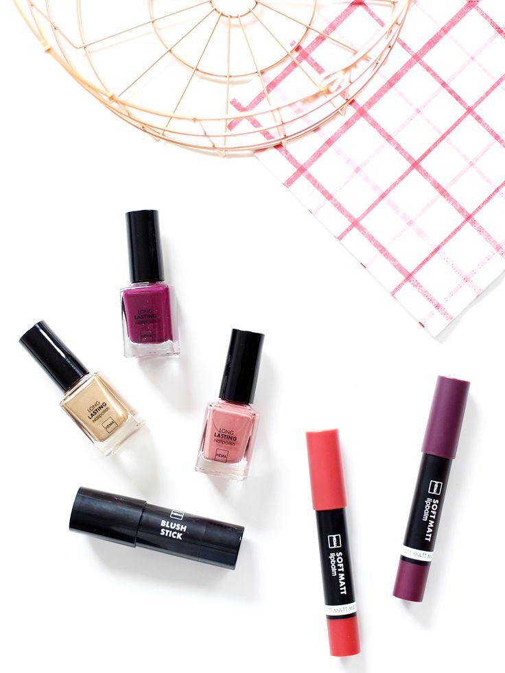 Vandaag laat ik je de nieuwe HEMA beauty producten zien. Donkere kleuren, zachte wangen en mooi verzorgde nagels.