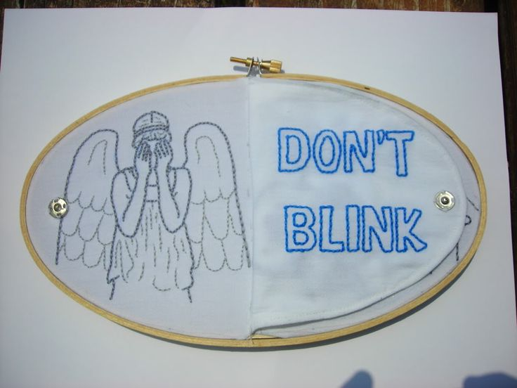 THIS MUST BE MINE. Under the flap there's an embroidery of the scary fanged angel.: Don'T Blink, Idea, Craft, Weepingangel Doctorwho, Doctorwho Embroidery, Embroidery Doctorwho, Weeping Angel, Dr. Who, Don T Blink