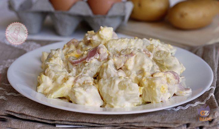 Insalata patate prosciutto e uova sode, una ricetta perfetta per l'estate, facile da preparare e gustosa che potete portare in ufficio, al mare o in gita.