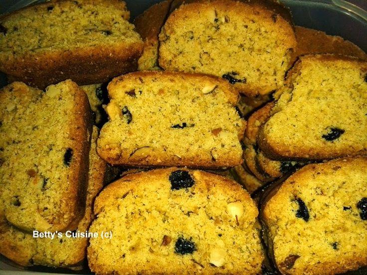 Τραγανά, μυρωδάτα, γευστικότατα, υγιεινά, χορταστικά, νηστίσιμα…   χρειάζεται να συνεχίσω; J     Υλικά:     1 κιλό περίπου αλεύρι σκληρό...