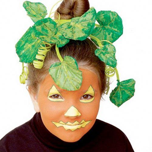 Trucco di Halloween per bambini da zucca con foglie