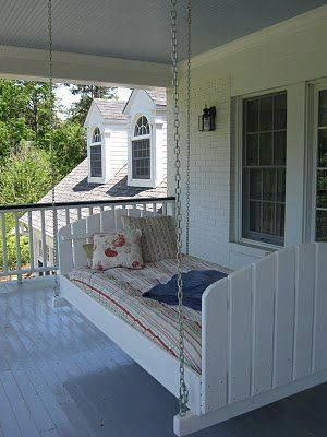Pallet bed - great place to take a nap, read, or just enjoy part of the day.  Gotta make this!