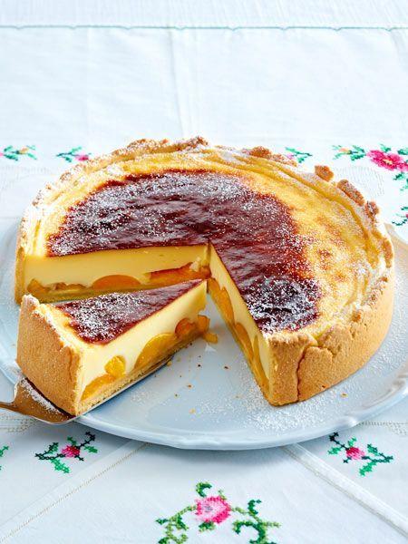 Selbst gemachter Vanillepudding und Aprikosen in einem Kuchen - wer kann da schon widerstehen!