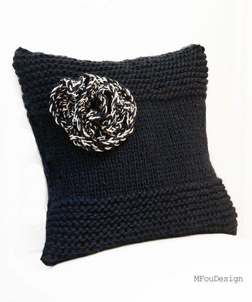 knittet pillowcase with flower / granatowa poszewka na poduszkę z kwiatkiem ~ MFOUDESIGN - HANDMADE by Magda Fou