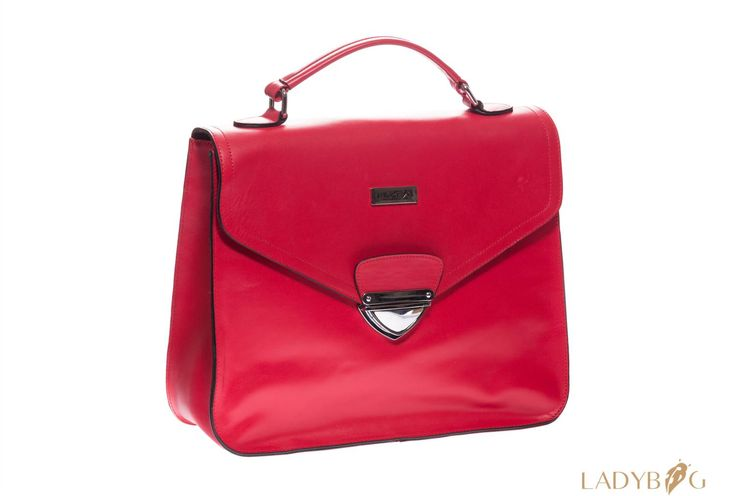 Handbag LADYBAG Red Carpet: the first multifunctional heated handbag which charges your mobile devices. BUY HERE: www.ladybag.cz