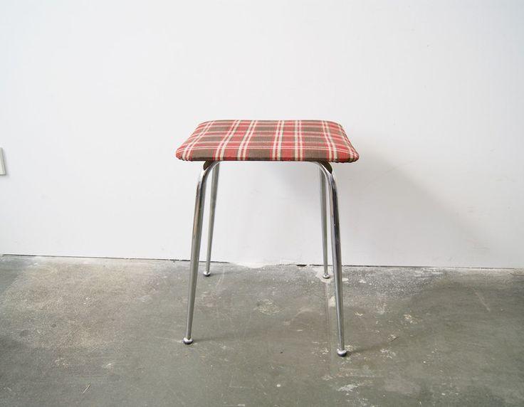 Vintage Hocker - Hocker Metall Stoffbezug kariert, Mann Möbel - ein Designerstück von mele-pele bei DaWanda