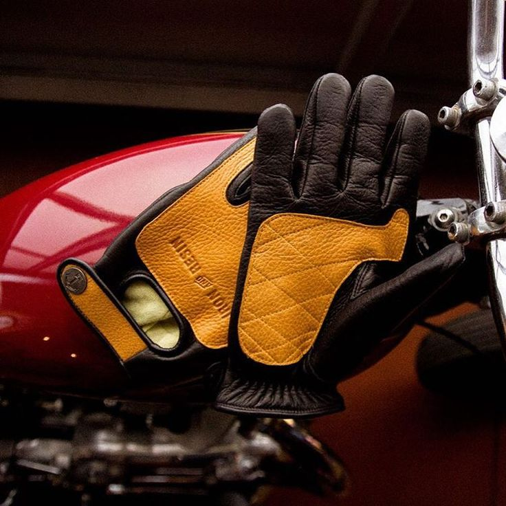 Introducing our new Kevlar lined Velocity gloves. Built to take on the road. Premium double layer deer hide and fully lined with Kevlar for serious abrasion and cut resistance. Incredibly comfortable and built to last. Hand made in California one pair at a time. Now available for pre sale in our web store.