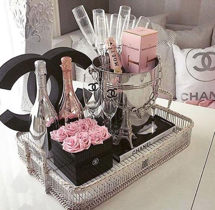 Best 25 Chanel Room Ideas On Pinterest Chanel Decor