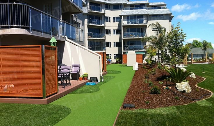 Designing distinctive and functional gardens with synthetic landscape grass.