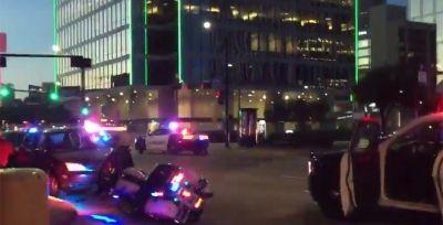 10 cảnh sát Mỹ bị bắn tỉa giữa dòng người biểu tình ở Dallas