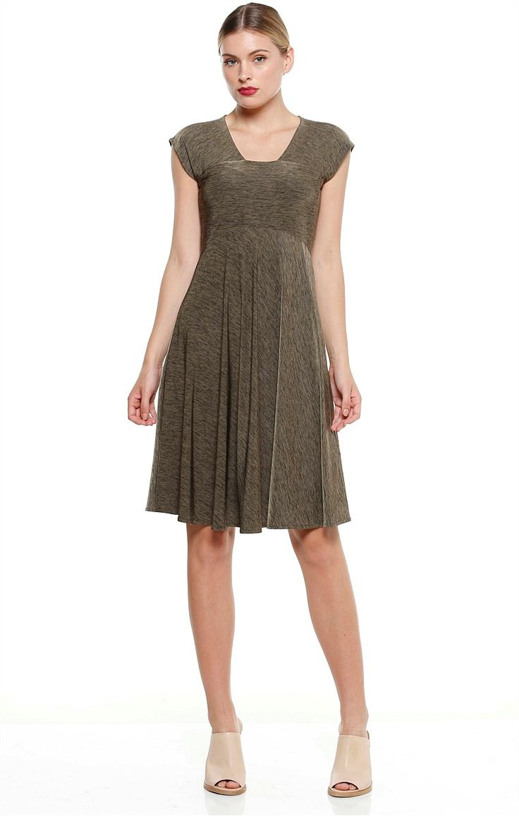 TRAVERSA CAP SLEEVE STRETCH KNEE LENGTH JERSEY DRESS IN OLIVE
