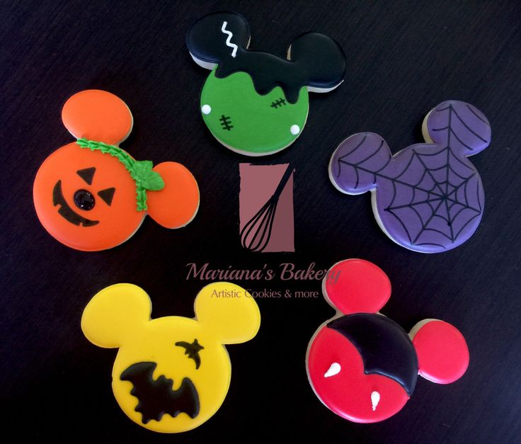 Mickey mouse inspired Halloween cookies Halloween Mickey cookies Halloween cookies (1 dozen) de MarianasBakery en Etsy https://www.etsy.com/mx/listing/485180711/mickey-mouse-inspired-halloween-cookies