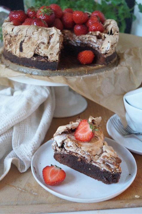 Brownietårta med chokladmarängswirl