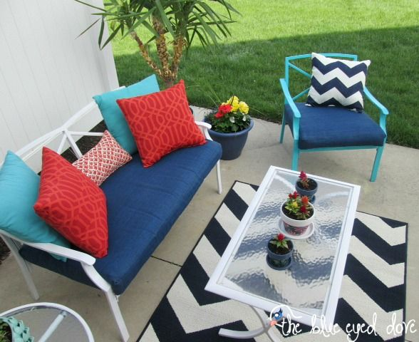 "Revive ""good bones"" patio furniture on a dime with spray paint  fabric."