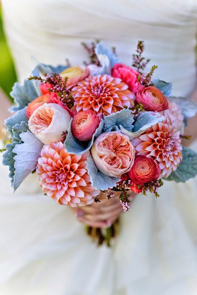 24 Wedding Bouquet Ideas & Inspiration - Peonies, Dahlias, Lilies and Hydrangea